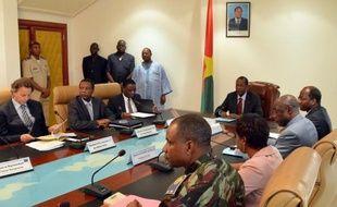 """""""C'est pire qu'un accouchement"""", soupire un négociateur. Dans un climat de profonde méfiance, un accord peine à émerger des discussions de Ouagadougou entre le pouvoir malien et les rebelles touareg contrôlant Kidal, dans le nord du Mali."""