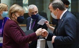 Angela Merkel est repartie avec un petit cadeau.