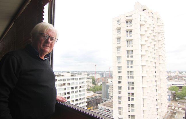 L'architecte Joël Gautier habite juste en face de la tour de l'Eperon imaginée par Louis Arretche.