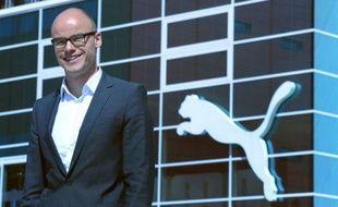 L'équipementier sportif allemand Puma a annoncé mercredi le départ surprise de son patron, Franz Koch, qui quittera son poste fin mars 2013 après moins de deux ans seulement à sa tête.