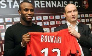 L'attaquant togolais Razak Boukari, lors de sa signature au Stade rennais, le 3 janvier 2011.