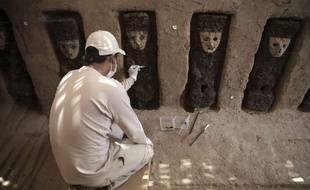 Vingt statuettes ont été retrouvées dans la cité pré-colombienne de Chan Chan au Pérou.
