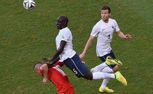 Le défenseur de l'équipe de France Mamadou Sakho, le 20 juin 2014, contre la Suisse.