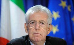 """Les députés italiens ont donné mercredi un premier feu vert au projet d'inscription dans la Constitution de la """"règle d'or"""" de l'équilibre budgétaire, destinée à rassurer les marchés alors que l'Italie est empêtrée dans la crise de la dette."""