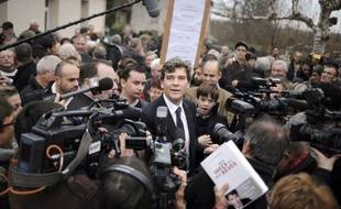 """Arnaud Montebourg propose une """"charte"""" avec """"règles"""" et """"objectifs"""" de la primaire ouverte socialiste visant à désigner son candidat en 2012, dans un rapport qu'il vient de remettre à Martine Aubry, et dont l'AFP a obtenu copie lundi."""