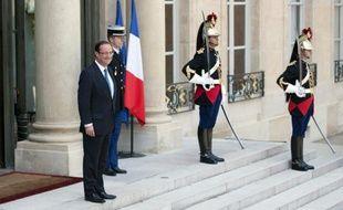 La réduction du déficit public reste un des principaux défis auxquels doit faire face la France et l'objectif de 3% du produit intérieur brut d'ici 2013 devrait nécessiter des efforts supplémentaires, a estimé mercredi la Commission européenne.