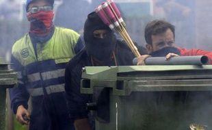 Des lance-pétards aux allures de lance-roquettes, des barricades enflammées: les rues du village minier de Cinera, dans le nord de l'Espagne, se sont transformées mardi en scène d'émeutes d'une violence rarement vue depuis le début du conflit des mineurs il y a un mois.