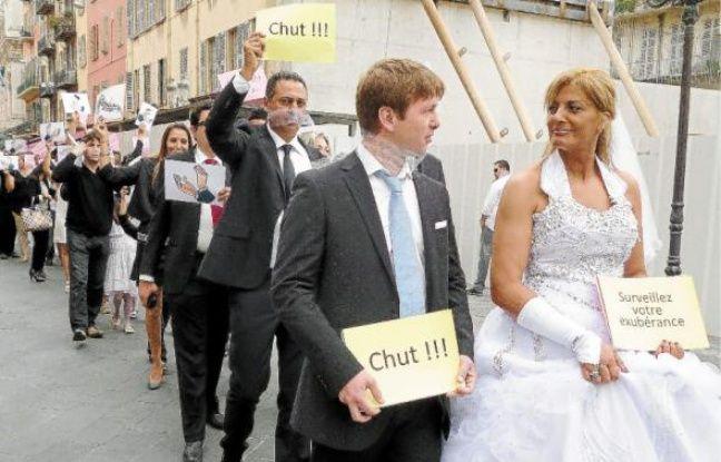 Une manif' en forme de « mariage silencieux » samedi à Nice.