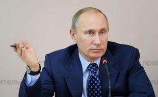 """L'homme fort de la Russie, Vladimir Poutine, a jugé mardi que l'opposition était un mouvement sans leader et sans """"objectifs clairs"""" cherchant à délégitimer le processus électoral en vue de la présidentielle de mars 2012 à laquelle il est candidat."""