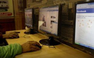 La « neutralité du net » veut dire que sur Internet tous les contenus voyagent de manière indiscriminée.