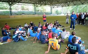 Des jeunes joueurs de football lors d'une détection organisée par l'Istitut national du Football Français, àClairefontaine, en mai 2011.
