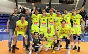 Les Spacer's Toulouse après leur victoire en demi-finale retour de Ligue A de volley, le 25 avril 2017 à Nice.