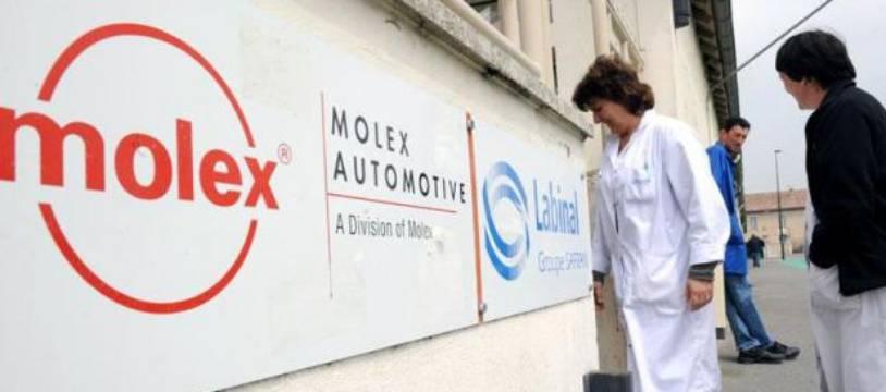 Les 283 salariés de l'usine française du groupe américain de connectique Molex, licenciés en 2009, tentent à présent de les faire fructifier en réclamant 22 millions d'euros de dommages et intérêts.