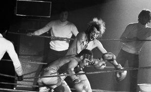 Johnny Hallyday sur la scène du Palais des Sports.