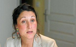 Agée de 39 ans, la candidate a débuté sa carrière politique en 2001.