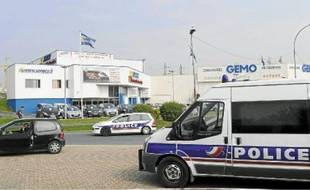 Le dispositif policier mis en place depuis le dernier meurtre dans le département de l'Essonne n'a pas encore été levé.