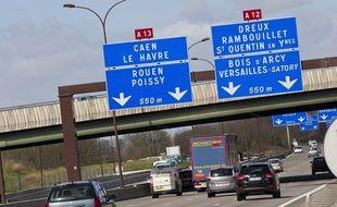 Versailles le 18 avril 2013 Illustration autoroute A13. Circulation automobile.