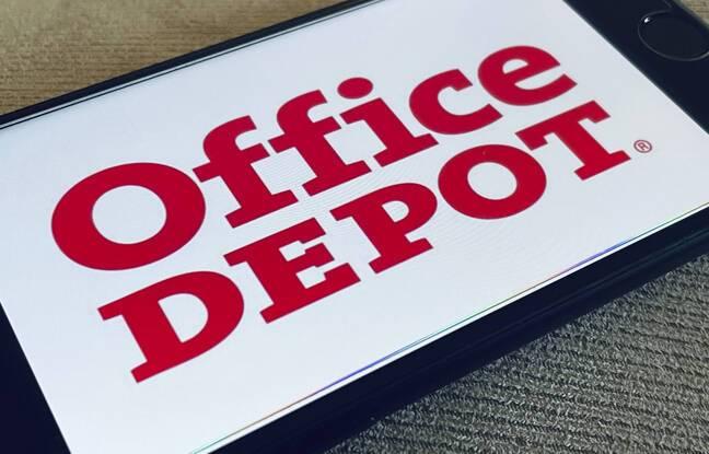 648x415 le logo d office depot sur un smartphone