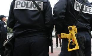 Un homme a été gravement blessé à l'œil samedi soir dans l'Essonne, après avoir essuyé un tir de la police
