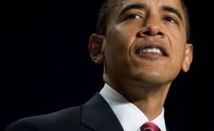 Le président américain Barack Obama a usé jeudi de toute son autorité politique pour siffler la fin d'une partie potentiellement risquée entre les deux grands partis et faire adopter au plus tôt par le Sénat un gigantesque plan de relance économique.