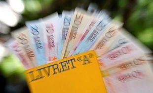 """Le ministre de l'Economie, Pierre Moscovici, a assuré que le gouvernement et lui-même veilleraient à ce que le pouvoir d'achat du Livret A soit """"préservé"""", après que le patron de la Banque de France a jugé probable une nouvelle baisse du taux cet été."""
