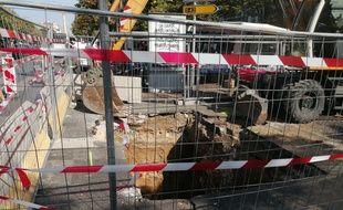 Les services de la Seramm sont à pieds d'oeuvre pour colmater le trou à Marseille.
