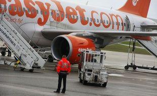 Un avion de la compagnie EasyJet à Lyon.