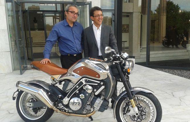 midual la moto grand luxe made in pays de la loire. Black Bedroom Furniture Sets. Home Design Ideas