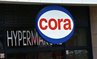 Illustration de l'enseigne d'un hypermarché Cora.