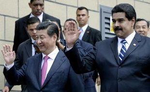 Le président vénézuélien Nicolas Maduro (droite) et le président chinois Xi Jinping (gauche) à Caracas le 21 juillet 2014