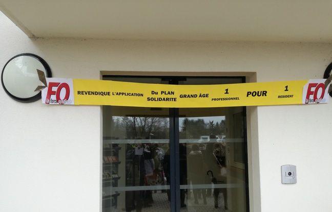L'entrée de l'Ehpad de Woerth, en Alsace, en ce jour de mobilisation des aides-soignants et autres personnels des Ehpad de toute la France.
