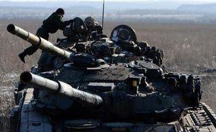 Des séparatistes prorusses prennent position le 18 février 2015 près d'Uglegorsk