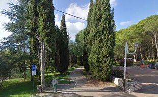 C'est dans ce parc qu'a eu lieu l'agression, à Vergèze.