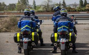 Des motards de la gendarmerie lors d'un contrôle. Illustration.