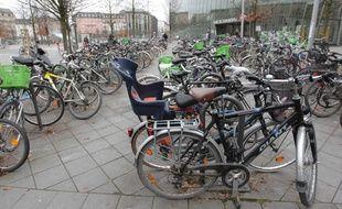 Illustration de vélos à Strasbourg le 27 01 2013.