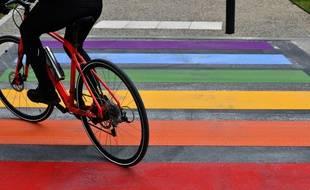 Pour SOS homophobie, le plan de lutte contre les agressions homophobes présenté par Marlène Schiappa devra être doté de moyens suffisants pour assurer son efficacité.