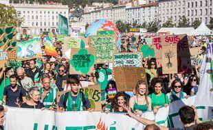 Convention citoyenne pour le climat, soutenus par des associations, ont appelé lundi à une marche pour une vraie loi climat le 28 mars. (illustration)
