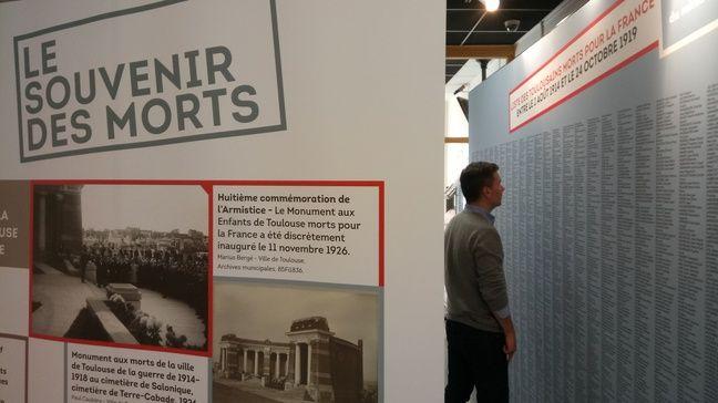3.898 noms de Poilus toulousains morts pour la France figurent sur un panneau visible à l'exposition «Après la guerre», jusqu'au 18 novembre au Crédit municipal.