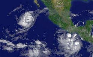 L'ouragan Norbert, classé en catégorie 2 (sur 5), a touché samedi en fin de matinée la côte Pacifique mexicaine de la péninsule de Basse Californie du sud (ouest), où un millier d'habitants ont été évacués par précaution vers des sites d'hébergement provisoires.