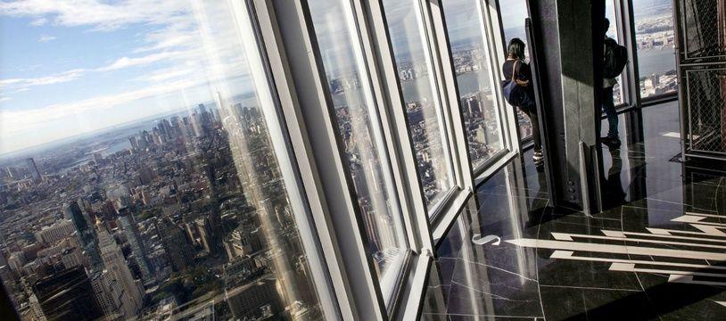 La vue depuis le 102e étage de l'Empire State Building, offrant une vue à 360° sur New York depuis la rénovation de l'observatoire.