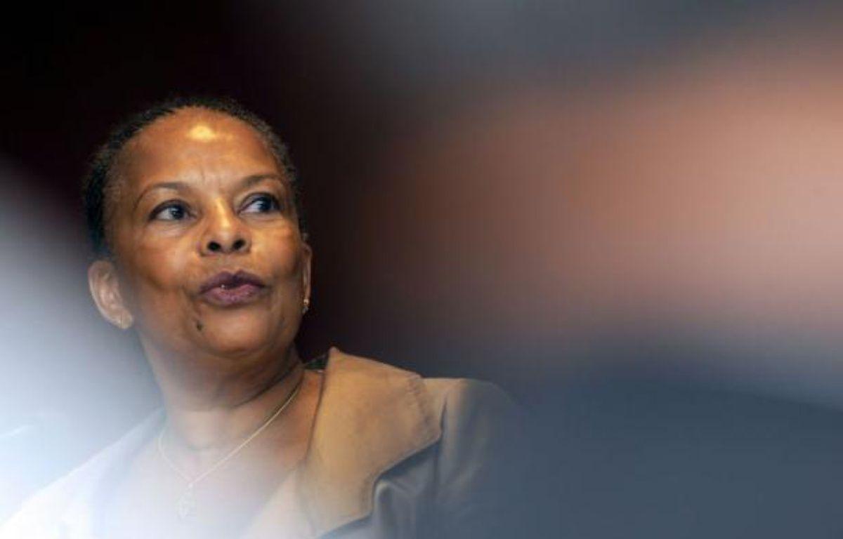 La ministre de la Justice, Christiane Taubira, a quitté samedi l'hôpital proche de Bordeaux où elle avait été admise vendredi pour des examens après un malaise, assurant qu'elle allait bien et qu'elle se reposerait encore un peu. – Jean-Pierre Muller afp.com