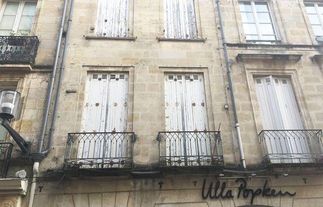 C'est cet immeuble du 152, rue Sainte-Catherine qui est concerné par l'arrêté de péril, mais les deux autres bâtiments contigus ont dû être évacués.