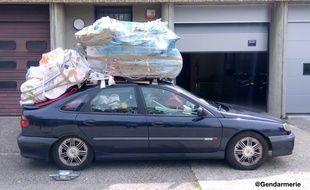 un vacancier intercept sur l 39 autoroute a7 avec 400 kg de bagages en trop dans sa voiture. Black Bedroom Furniture Sets. Home Design Ideas