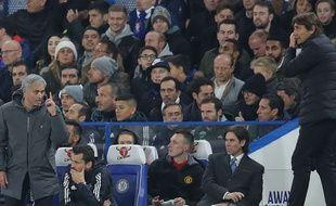 José Mourinho et Antonio Conte sont en guerre ouverte en Premier League.