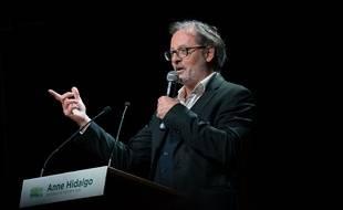 L'humoriste Christophe Alévêque au meeting d'Anne Hidalgo ce mercredi soir.