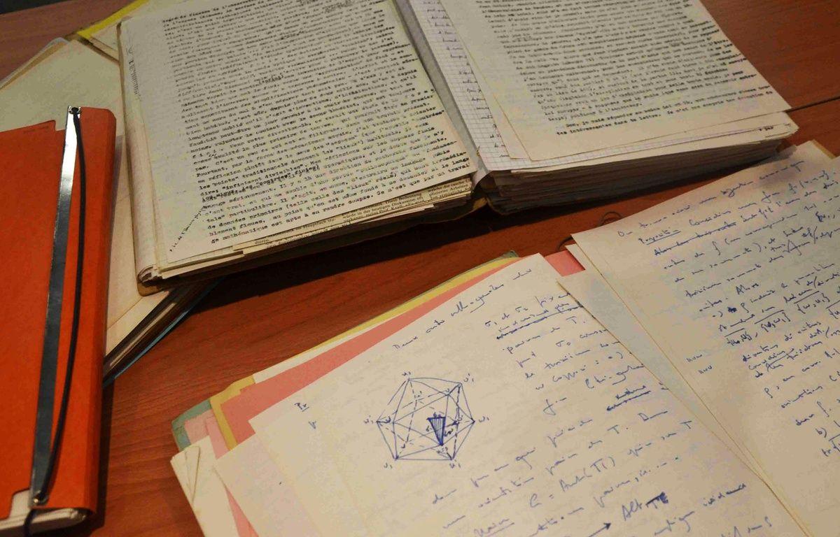 Quelques-unes des archives d'Alexandre Grothendieck. – N. Bonzom / Maxele Presse