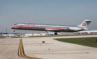 Le passager a porté plainte contre la compagnie American Airlines.