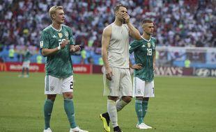 Neuer et les Allemands déçus.