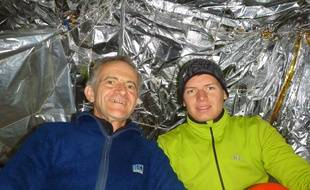 Bernard Gauche et Clément Chaput lors d'une précédente exploration, à la grotte des Eaux-Chaudes, dans les Pyrénées.