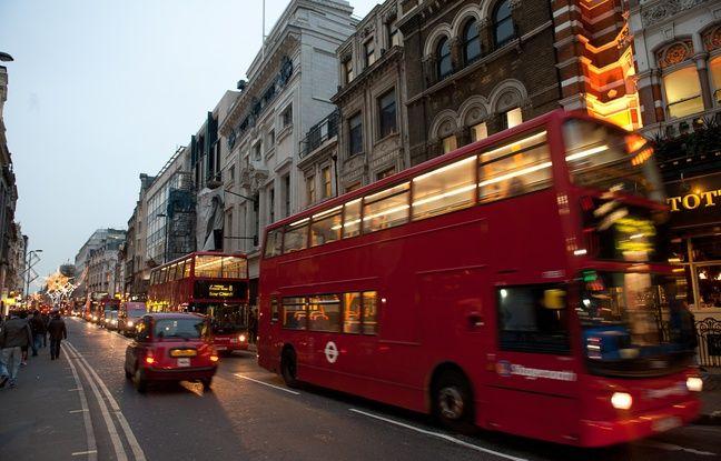 VIDEO. Londres: Un bus à impériale s'encastre dans un magasin, plusieurs blessés